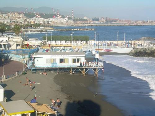 Genova lungomare pegli sinistra con spiaggia 2007 for Lungomare genova