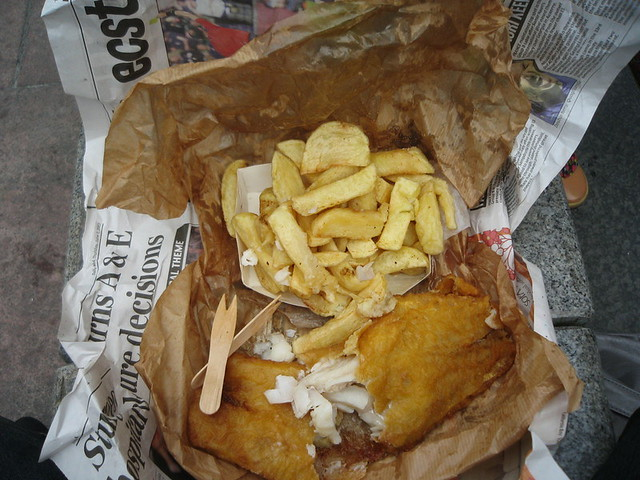 Linda 39 s fish and chips complete with newspaper phoemail for Fish and chips newspaper