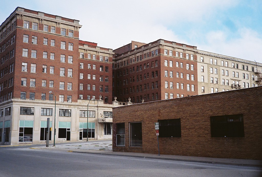 warden plaza hotel fort dodge iowa mike novak flickr. Cars Review. Best American Auto & Cars Review