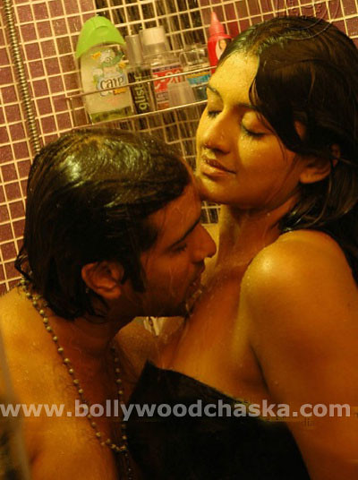 Vimala raman hot bathroom bath scene sexy boob press by for Hot bathroom photos