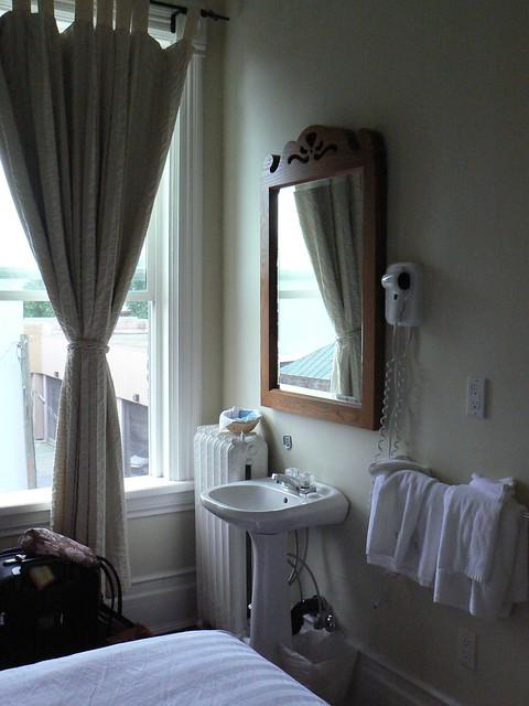 Cheap Weekly Room Rentals Toronto