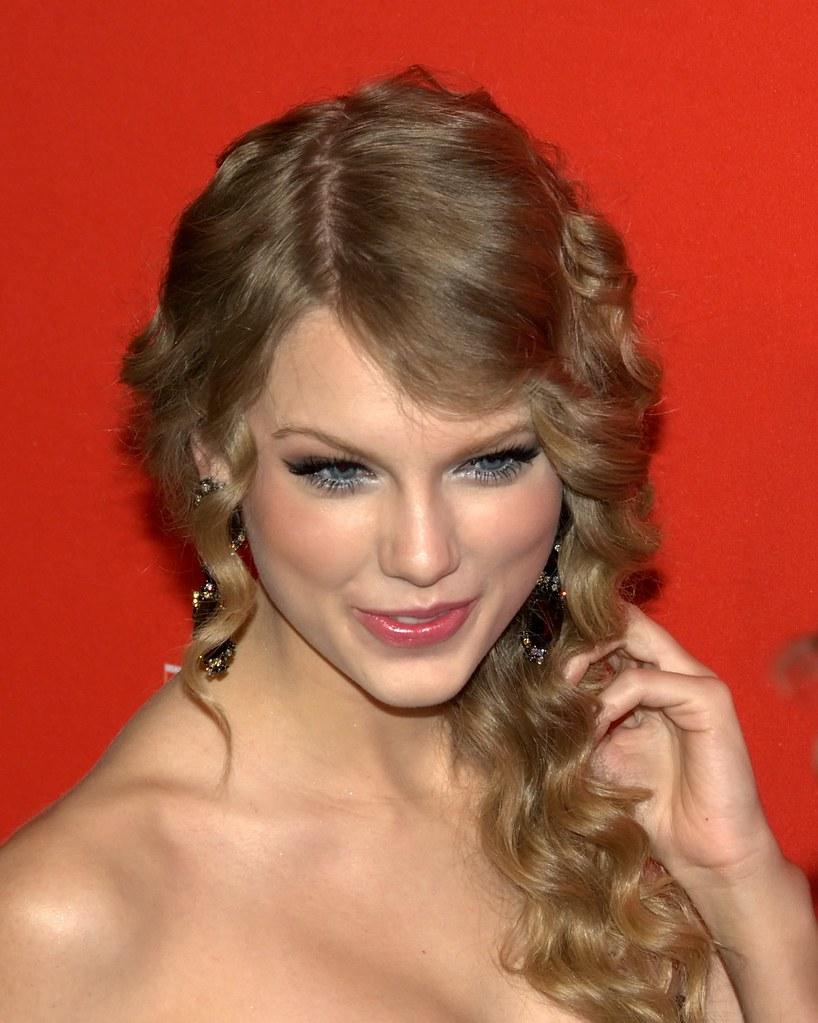 Taylor Swift  Tour Pics