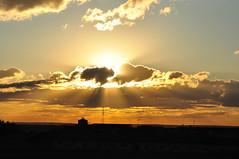 Atardecer entre nubes by KitosRD