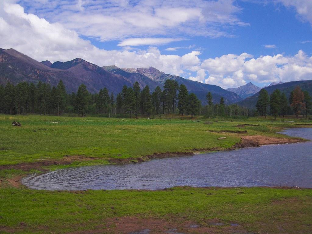 Colorado And North River Apartments