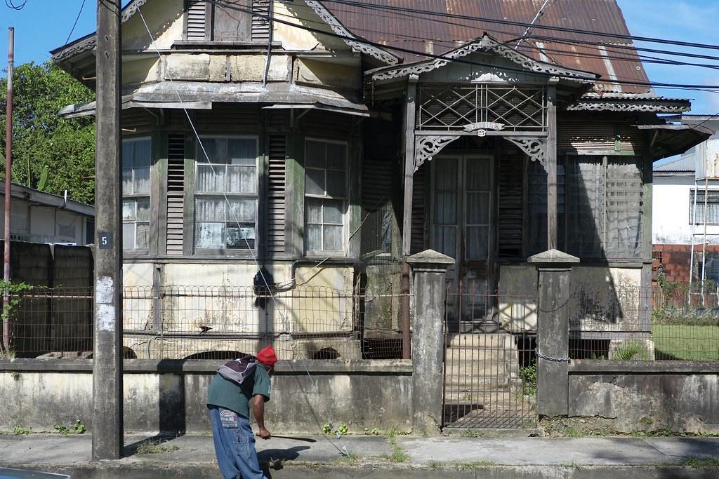 L1001884 Old Wooden Gingerbread House Carlos Street Woodbr