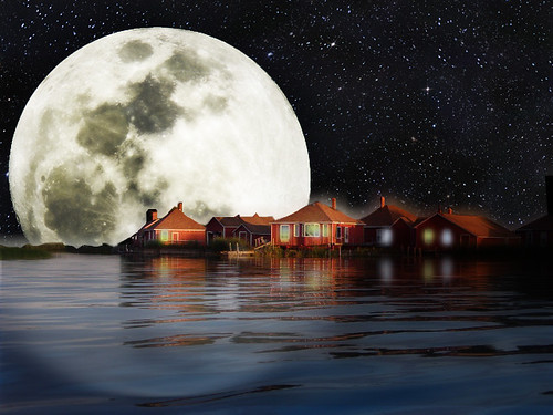 A Really, REALLY, Full moon ...~(Photoshop Junkies)~ | by Gravityx9