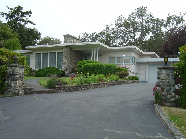 Curb Appeal For A Mid Century Modern House This House