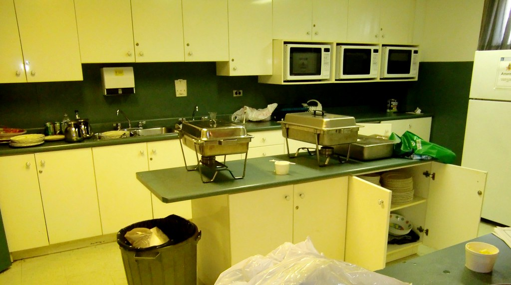Fully Equiped Kitchen Standing Set Los Angeles