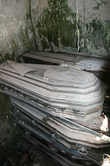 Real Dead People Pictures Caskets in Recoleta, R...