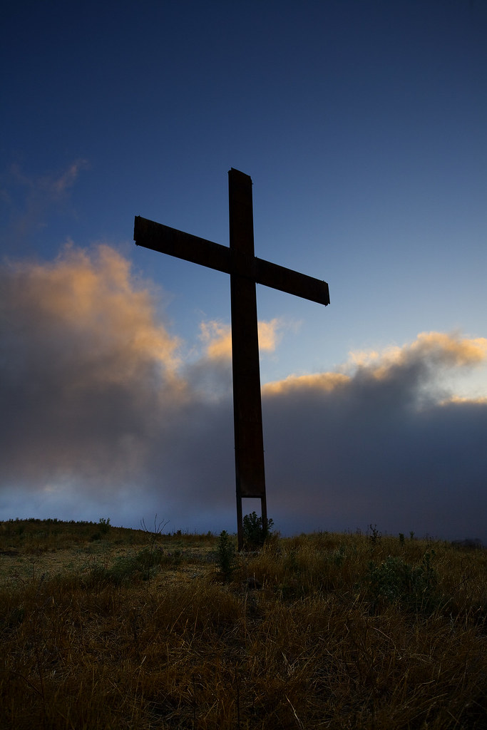 Cross & Clouds | Cross on the hill near Bishop Ranch Open ...