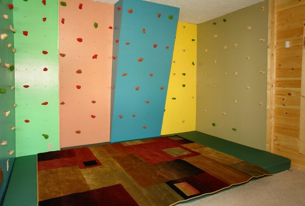Rock Climbing Wall For Kids In This Large Gatlinburg Cabi