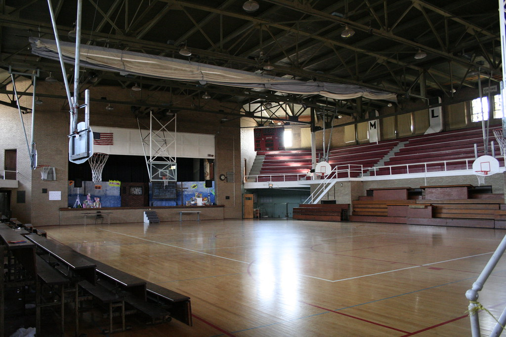 1984 high school gym 4