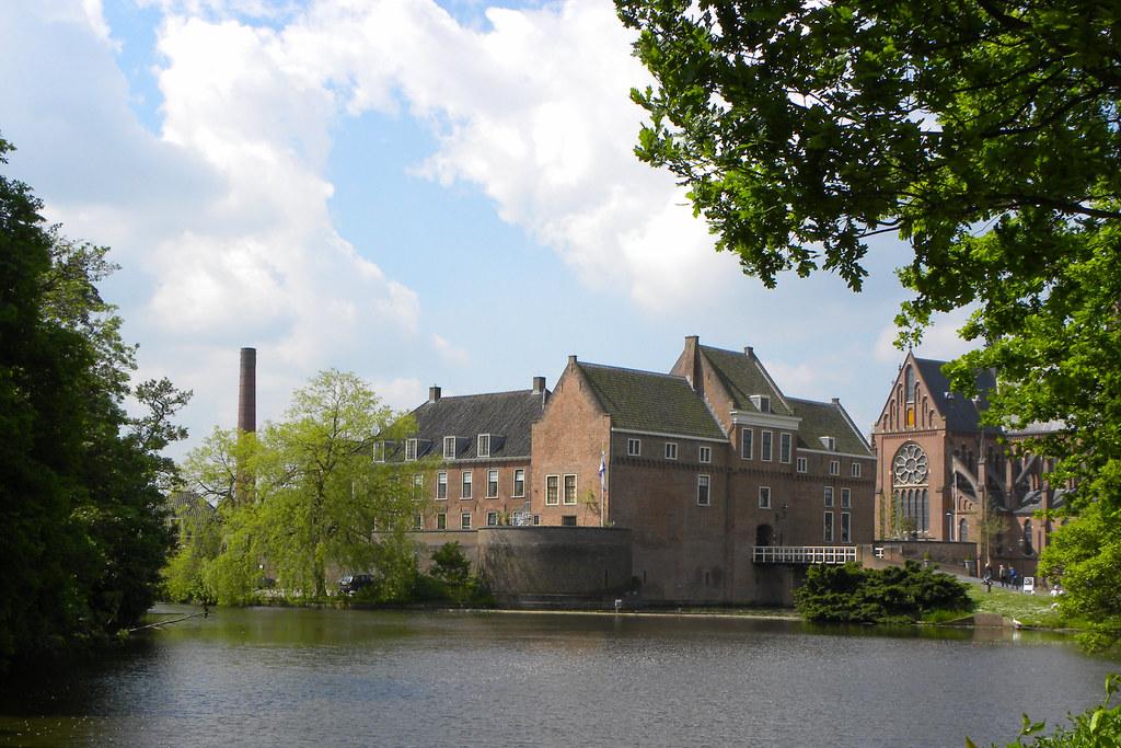 Kasteel Woerden   ViewLarge On Black Het kasteel is vierkant u2026   Flickr