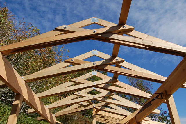Scissor trusses over the courtyard peterbart flickr for Diy timber frame plans
