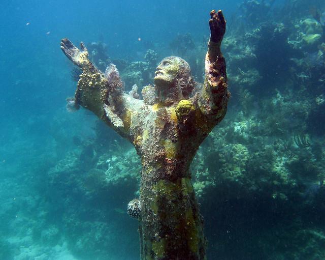 Podvodne skulpture - Page 3 868049786_a3d56f0490_z
