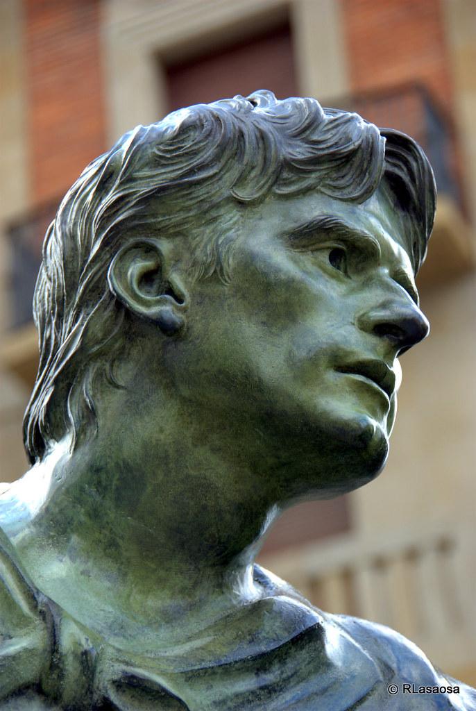 Ancho De Calle >> Monumento al Encierro, Pamplona   Monumento al Encierro en l…   Flickr