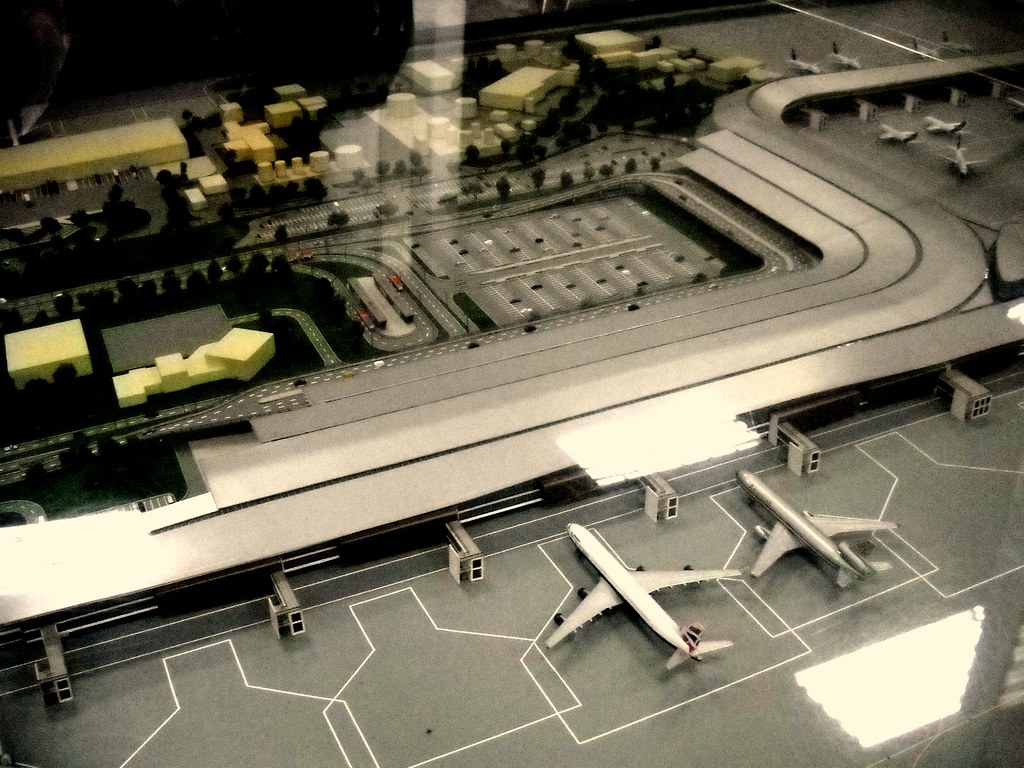 160 497 60 1k 1038 1 f maqueta del nuevo aeropuerto for Puerta 6 aeropuerto el dorado