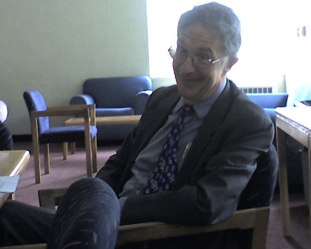 Howard gardner in a meeting at mit alist flickr for Gardner white credit