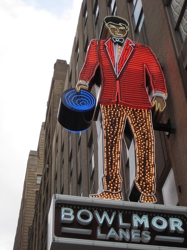 Bowlmor Lanes Neon Bowling Alley Man Sign 8654 | by Brechtbug