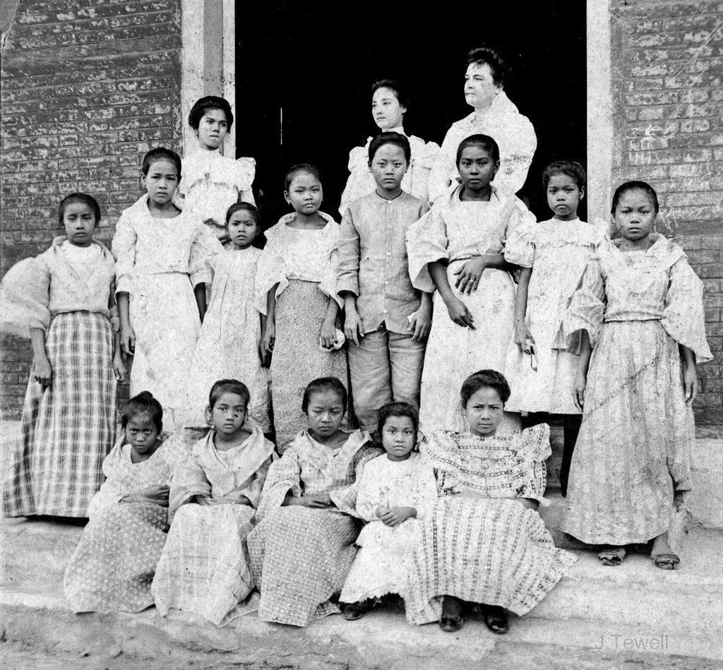 Girls School At Malate, 1902 American Teacher And Native -5476