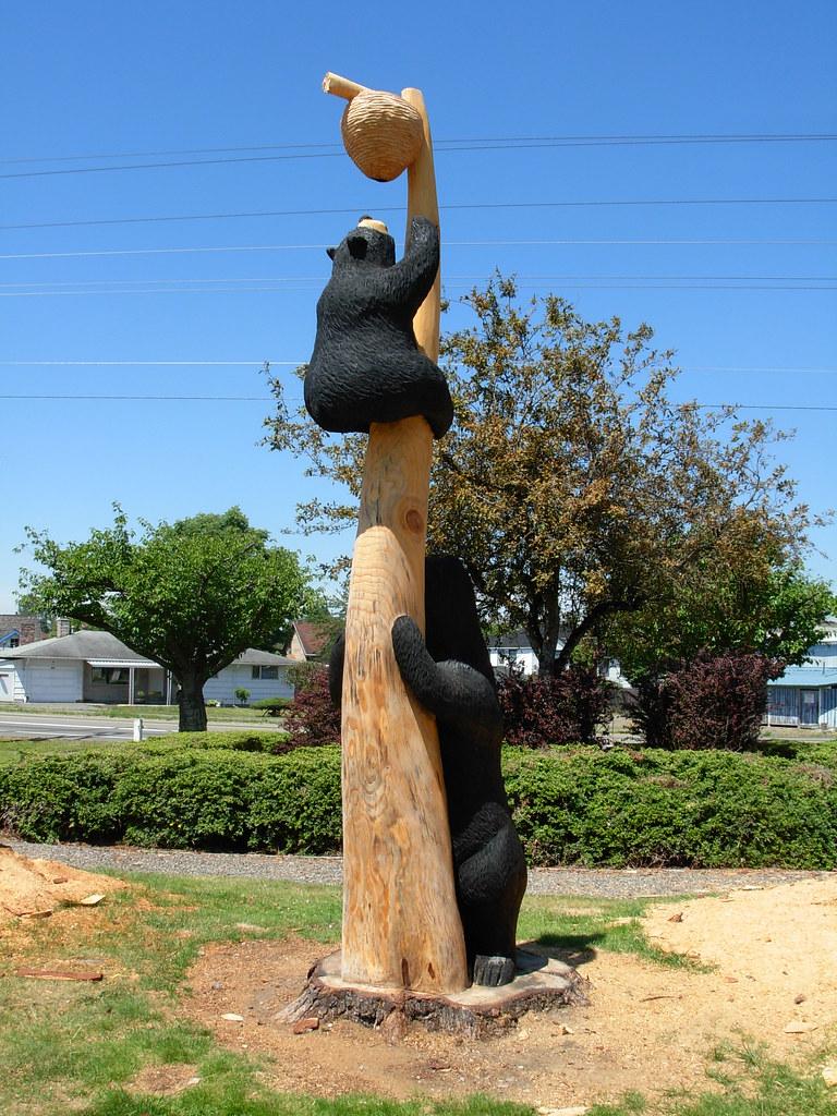 Bear chainsaw carving buckley washington i noticed