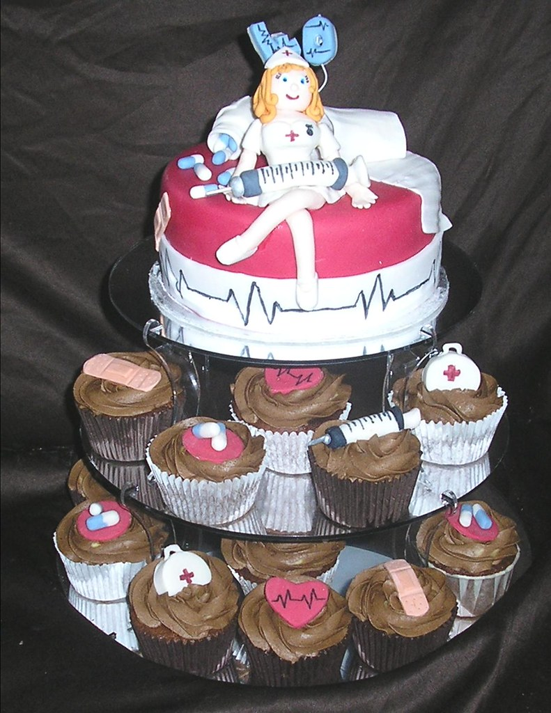 Nurse Cake And Cupcakes This Cake Was For My Sister In