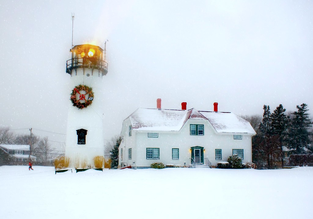 Chatham, Cape Cod Winter | Lighthouse at Christmas ...