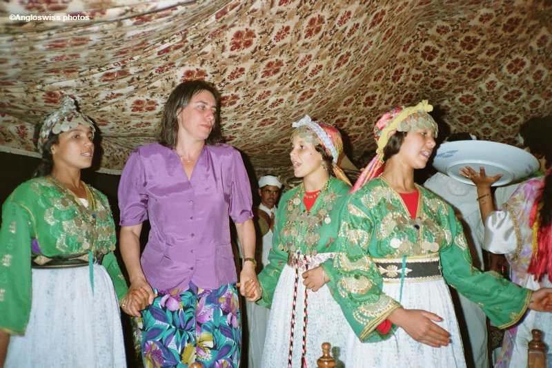 Me dancing with Marrocan Ladies in a Bedouin tent