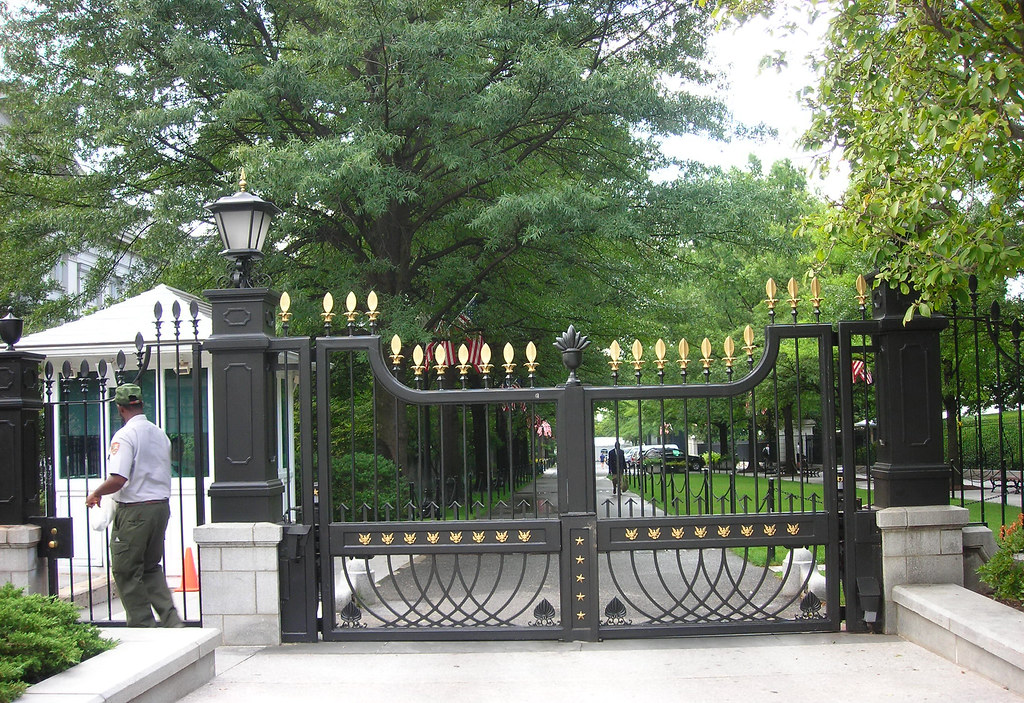 Front Gate to White House | Pamela Ortiz | Flickr