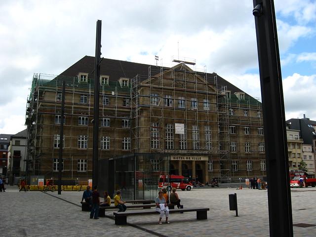 Hotel de ville in scaffolding esch sur alzette luxembour - Piscine a esch sur alzette ...