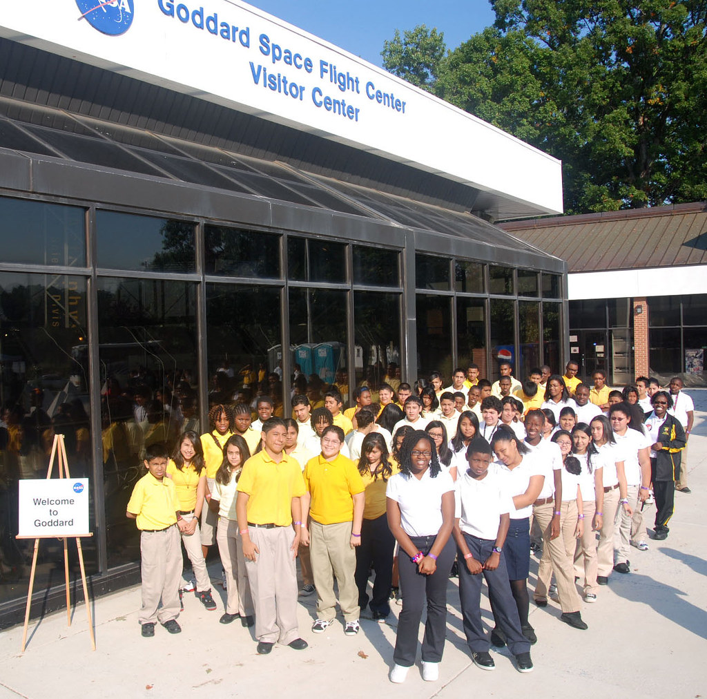 Students Faculty Kick Off Stem Research Week: William Wirt Middle School Students