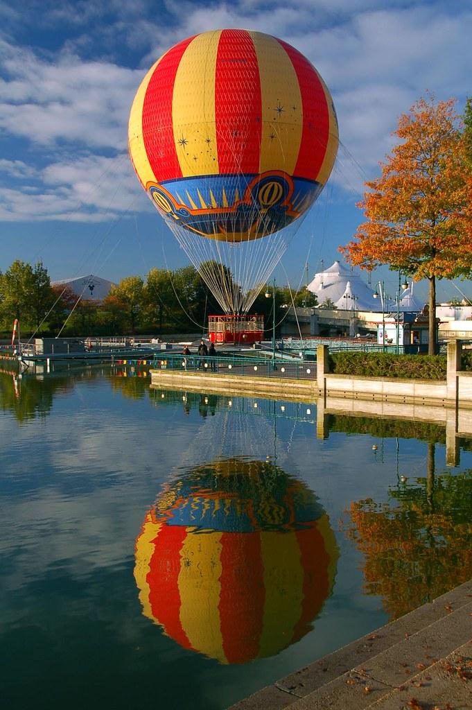 Panoramagique hot air balloon, Lac du Disney Village, Disn ...