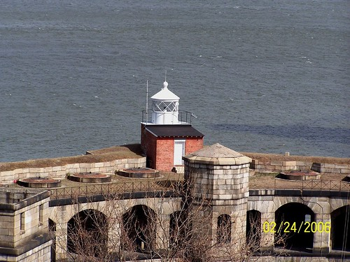 Fort Wadsworth Lighthouse, New York | by bobindrums