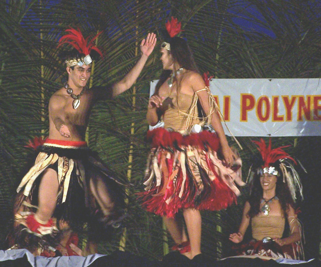 Tahitian Group 68