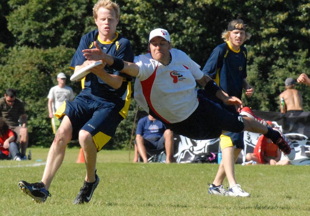 Horizontal bid - EUC 2007 Ultimate Frisbee | Christian ...