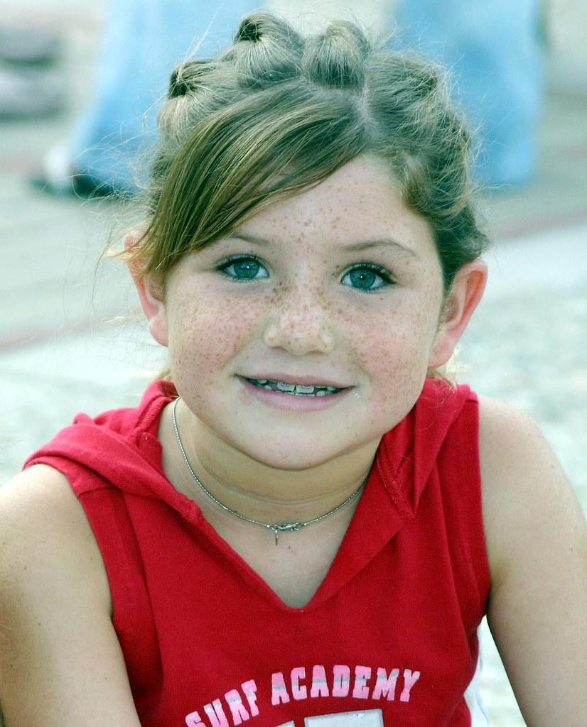 Freckle-Face Girl  At Outdoor Concert, El Cajon, Ca -3973
