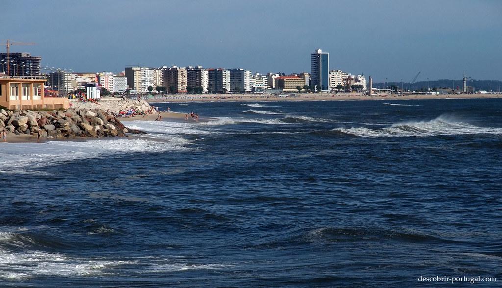 Ville dans la plage ou plage dans la ville ?