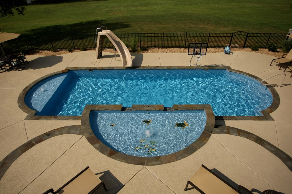 Swim world pools fiberglass pools tanning ledge swim for Pool design with tanning ledge