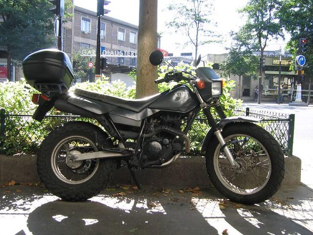Enduro >> Yamaha TW 125 | Hybrid (and odd) bike from Yamaha Motorcycle… | Flickr