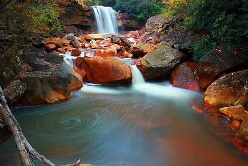 long-exposure-autumn-waterfalls | by www.ForestWander.com