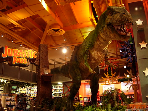 Dinosaurs Toys R Us : The tyrannosaurus rex at times square toys r us in new
