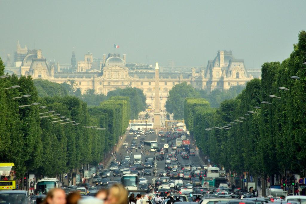 Louer une voiture à Musée du Louvre
