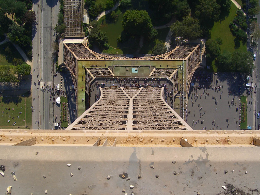 Eiffel tower from the top floor sebastian schulz flickr for Floors of the eiffel tower