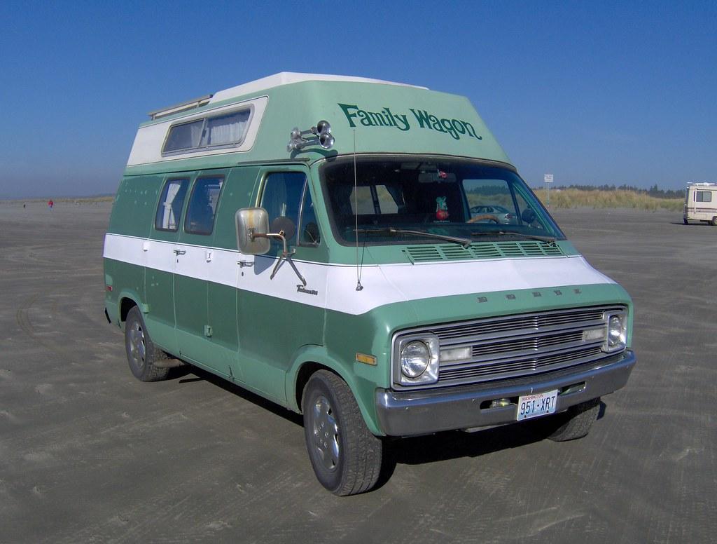 dodge 39 family wagon 39 camper van re painted white belt line flickr. Black Bedroom Furniture Sets. Home Design Ideas