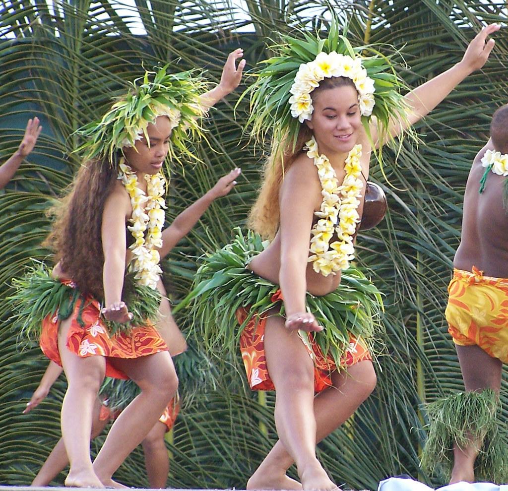 Tahitian Group 61