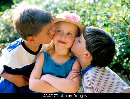 2 girl 1 boy: