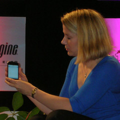 Marissa Mayer demos the iPhone, Closeup | by Si1very