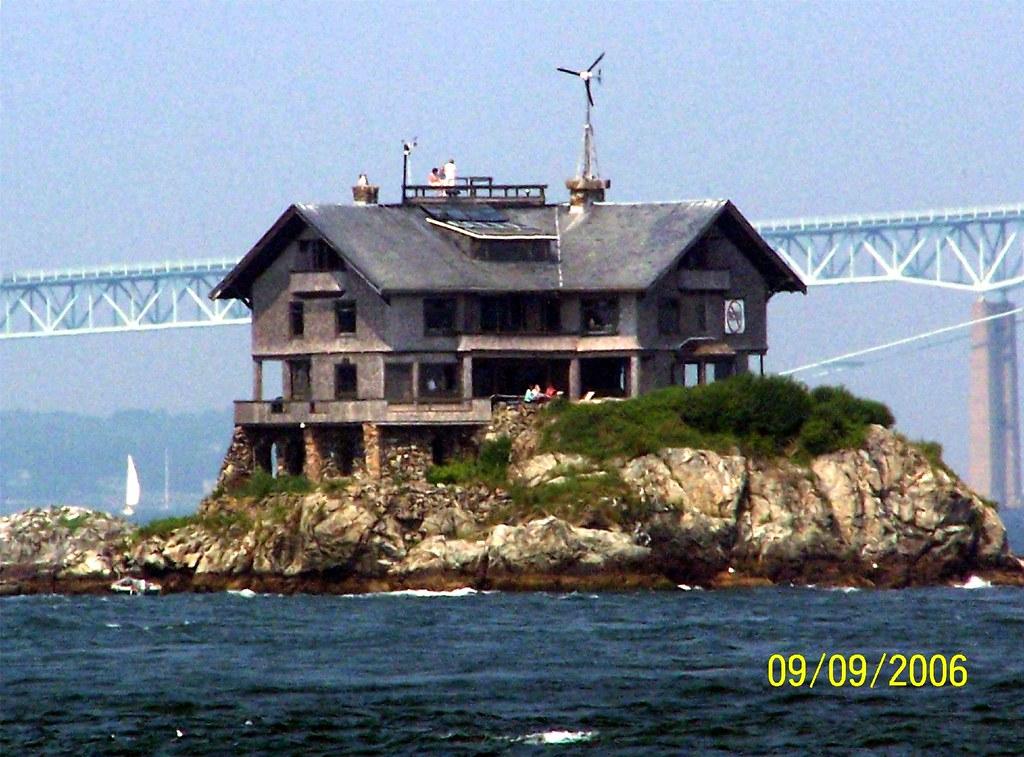 Clingstone House On The Rocks Rhode Island Clingstone H