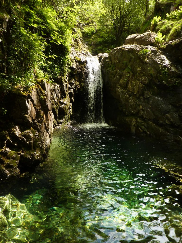 Grains Gill Pool A Secluded Crystal Clear Pool And Waterfa Flickr