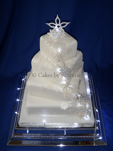 wedding cake with fairy lights snowflake and lights wedding cake suzanne 26872